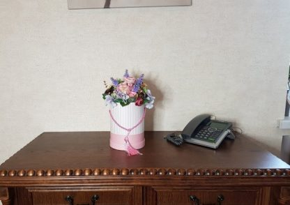 kwiaty w różowym pudełku - wzró 37 - zdj. 9