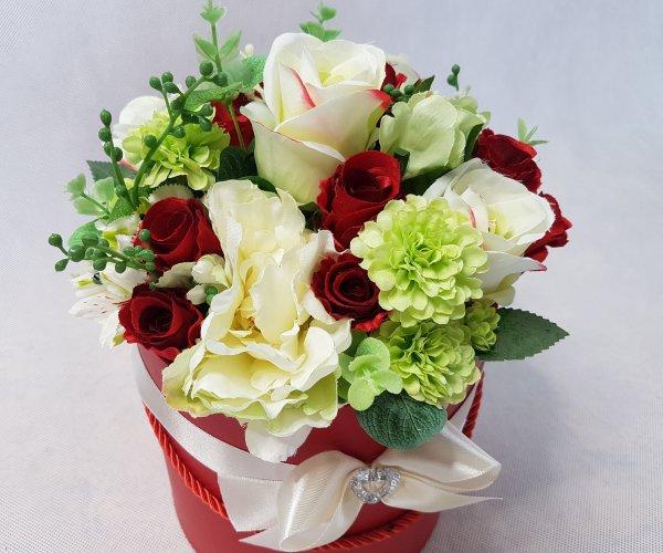 czerwone i białe róże w pudełku - wzór 42 - zdj. 6