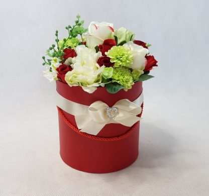 czerwone i białe róże w pudełku - wzór 42 - zdj. 7