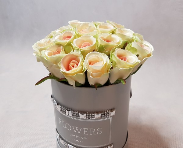 róże w pudełku-wzor53-03
