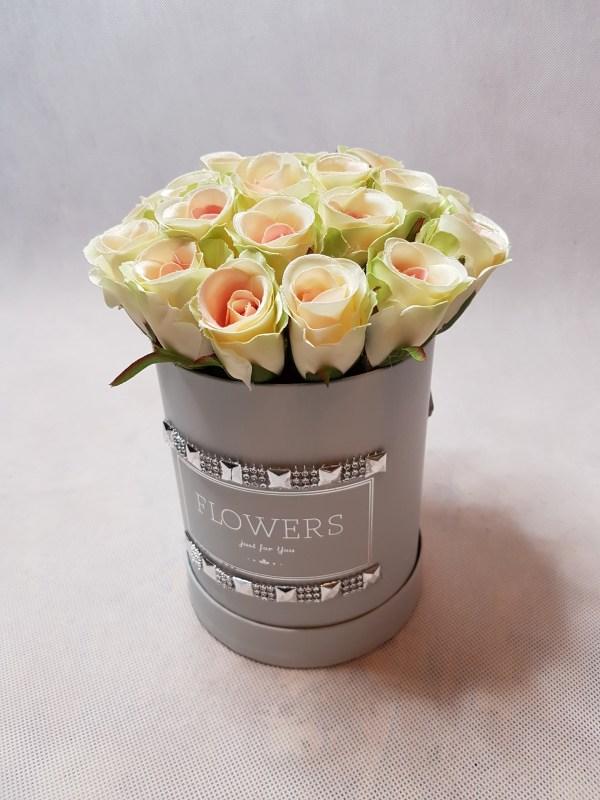 róże w pudełku-wzor53-07