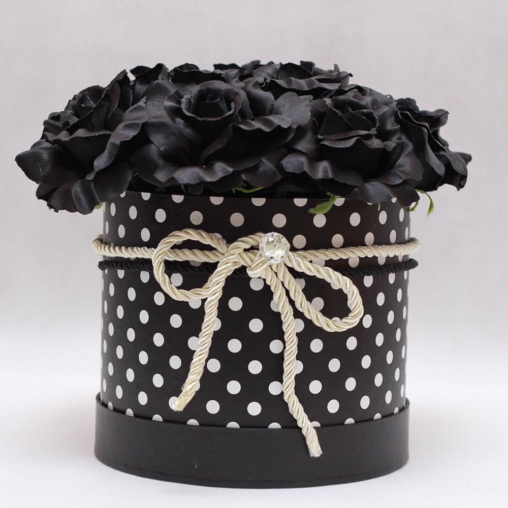 flowerbox-czarne-roze-kropki-6